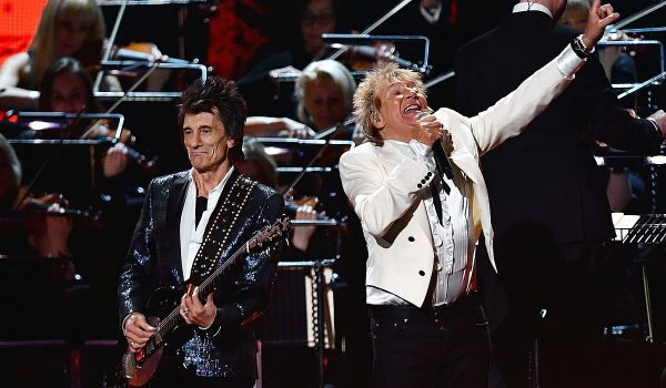 Watch Rod Stewart Reunite With Surviving Faces